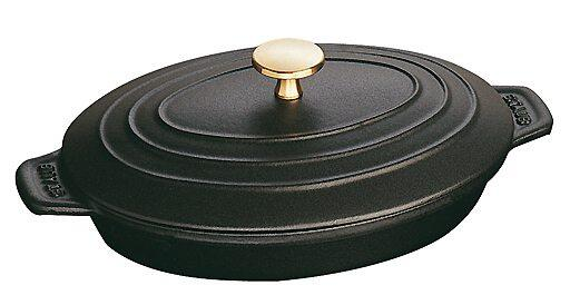 staub auflaufform aus gusseisen mit deckel oval kochform. Black Bedroom Furniture Sets. Home Design Ideas