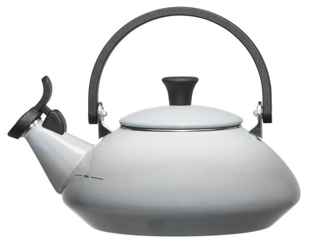 Le creuset wasserkessel zen in perlgrau kochform for Zen einrichtungsstil
