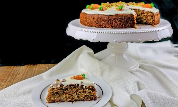 Carrot Cake Mit Zitronen Frischkase Topping Kochform