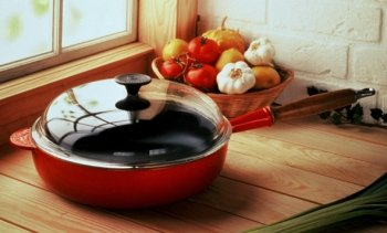 Le Creuset Sauté-Pfannen zum Garschwenken aus Gusseisen kaufen