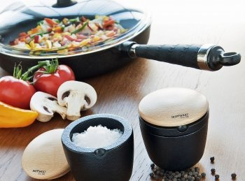 Servierpfannen aus Gusseisen - vom Herd oder Ofen direkt auf den gedeckten Tisch