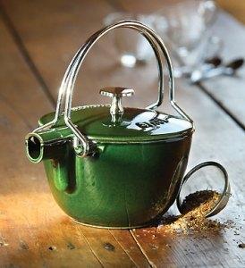 Staub Teekannen - Kanne und Kessel in Einem